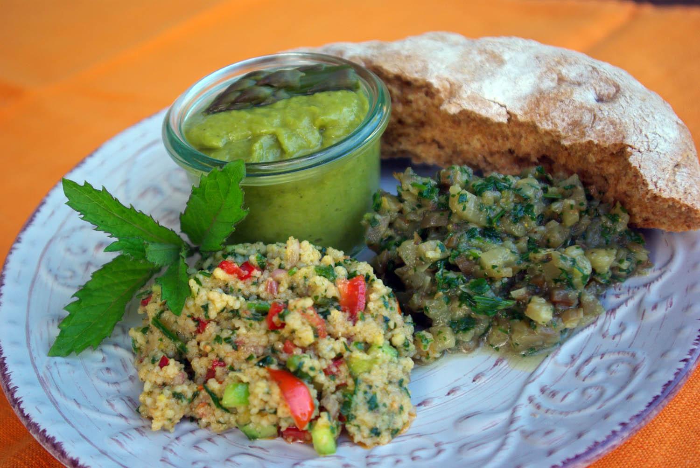 Sommerliche Salate & Spargelpesto