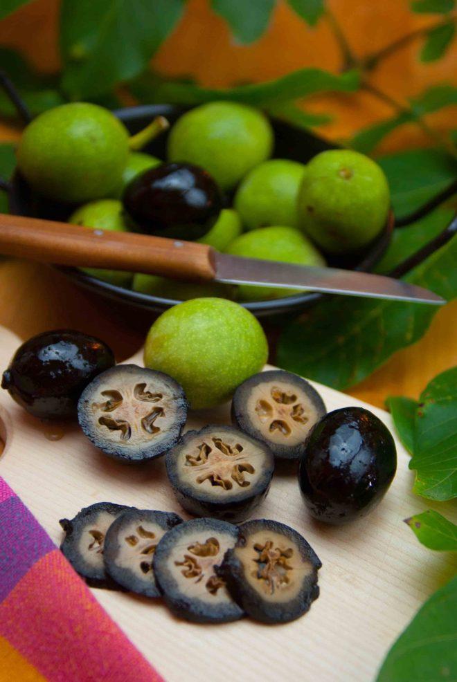 Schwarze Nüsse bio