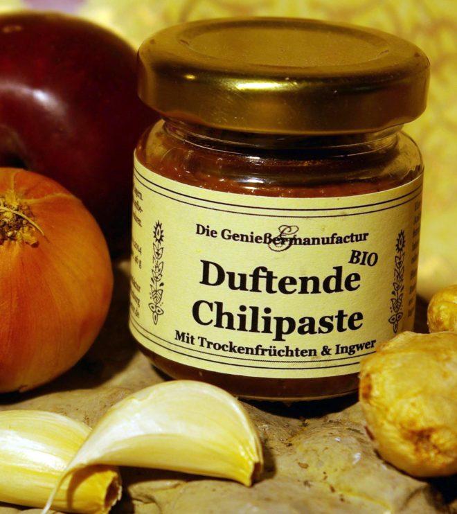 Duftende Chilipaste mit Trockenfrüchten und Ingwer
