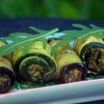 Auberginen- und Zucchini-Röllchen mit Walnuß-Knoblauch-Paste