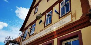 Forum Botanische Kunst Thüngersheim 2021 in einem renovierten Fachwerkhaus